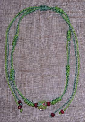 つゆ結びのとんぼ玉ネックレス